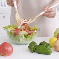 蔬菜應該生吃?植物酵素較不容易流失?你聽過「輕」烹調嗎..
