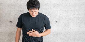一個動作防止睡眠中胃食道逆流!哪種人容易胃食道逆流?胃酸逆流的原因《胃弱使用說明書》