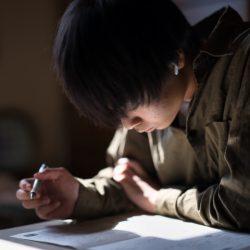 先別急著下筆【學測作文】靠3招破題,考場敗作最大原因是邊寫邊想…