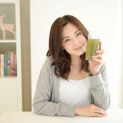 綠汁能減緩老化過程、降低身體發炎、排毒、規律腸道,還可以減重呢!《全食物救命奇蹟》