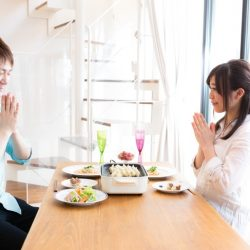 一邊吃飯一邊看新聞..許瑞云:6點檢視你的飲食習慣好嗎?[哈佛醫師養生法]