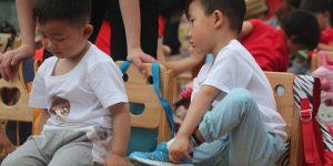 如何讓「互相競爭」的手足, 成為「彼此進步」的隊友..《你的管教 能讓孩子成為更好的大人》