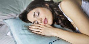 菁英才知道的2個睡眠法則:超一流小睡法,一定要熬夜的[黃金90分鐘]